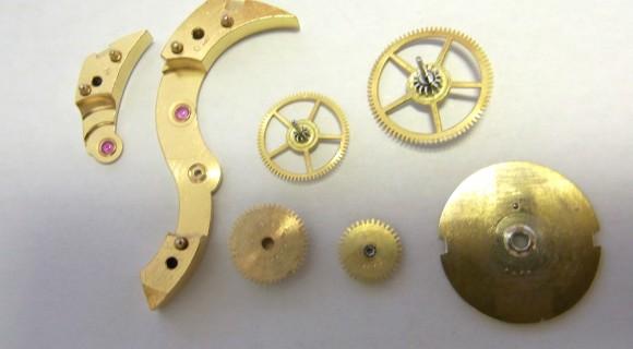 提げ時計 時計 修理 (腕時計 修理)分解掃除(OH) 風景
